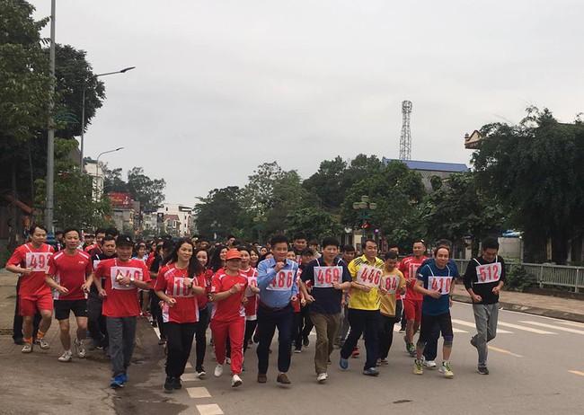 Trường Cao đẳng Văn hóa Nghệ thuật Việt Bắc tổ chức ngày chạy Olympic vì sức khỏe toàn dân năm 2019 - Ảnh 2.