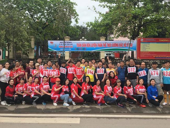 Trường Cao đẳng Văn hóa Nghệ thuật Việt Bắc tổ chức ngày chạy Olympic vì sức khỏe toàn dân năm 2019 - Ảnh 1.