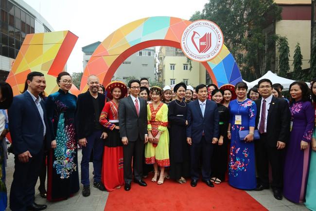 """Phó Thủ tướng Vũ Đức Đam: """"Trường Đại học Văn hóa Hà Nội phải là một trung tâm đào tạo nghiên cứu uy tín với cơ chế quản trị hiện đại""""  - Ảnh 4."""