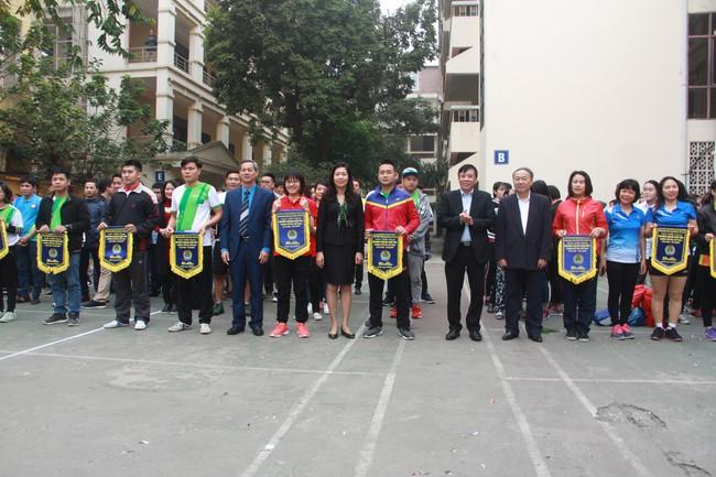 Hơn 300 VĐV tham dự giải thể thao truyền thống nhân kỷ niệm 73 năm ngày thành lập Ngành - Ảnh 1.
