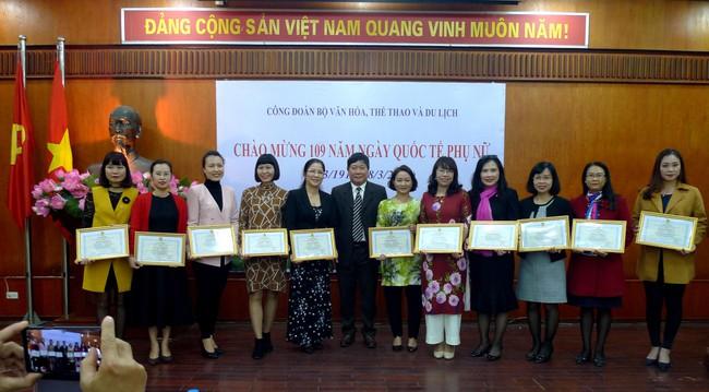 Công đoàn Bộ VHTTDL kỷ niệm 109 năm Ngày Quốc tế phụ nữ 8/3 - Ảnh 2.