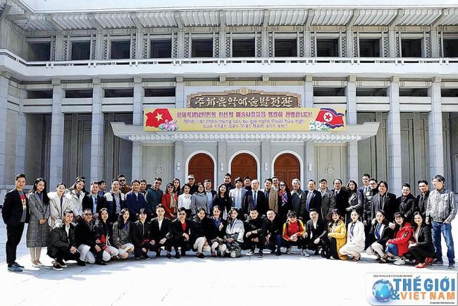 Chuyến lưu diễn đặc biệt tại Triều Tiên - Ảnh 1.