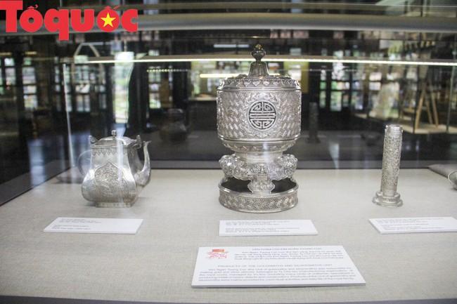 Khai  mạc trưng bày chuyên đề Quan xưởng triều Nguyễn với tinh hoa nghề Việt - Ảnh 10.
