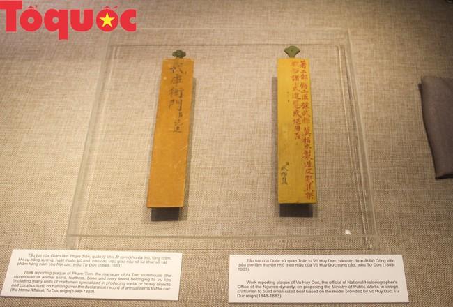 Khai  mạc trưng bày chuyên đề Quan xưởng triều Nguyễn với tinh hoa nghề Việt - Ảnh 4.
