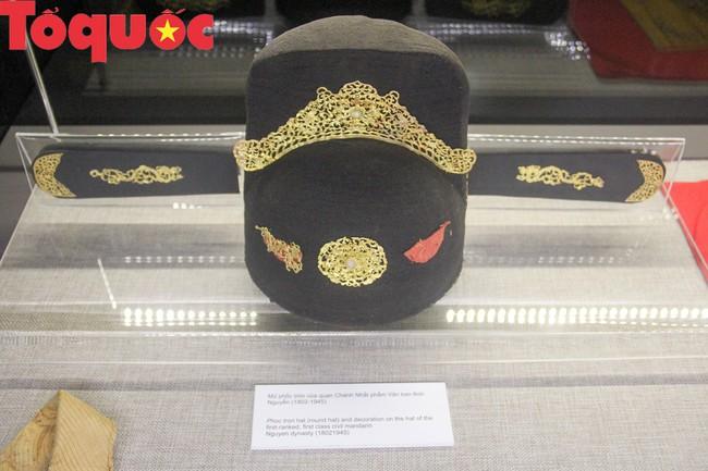 Khai  mạc trưng bày chuyên đề Quan xưởng triều Nguyễn với tinh hoa nghề Việt - Ảnh 8.
