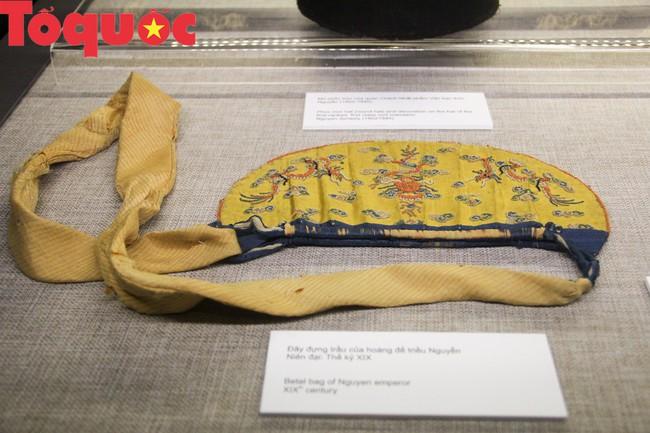 Khai  mạc trưng bày chuyên đề Quan xưởng triều Nguyễn với tinh hoa nghề Việt - Ảnh 9.