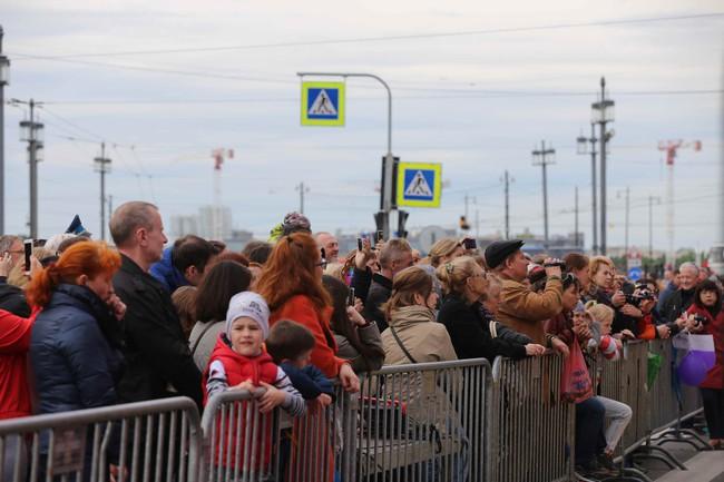 Hàn vạn khán giả tới xem nghệ sỹ Việt biểu diễn tại lễ kỷ niệm 316 năm thành lập thành phố St.Petersburg - Ảnh 6.