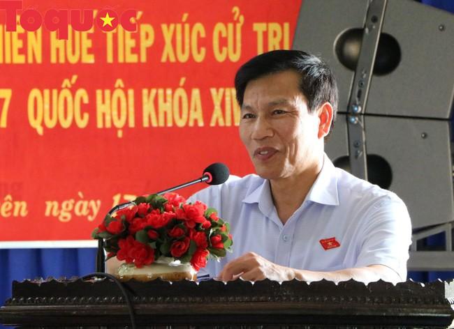 Bộ trưởng Nguyễn Ngọc Thiện tiếp xúc cử tri Thừa Thiên Huế - Ảnh 1.