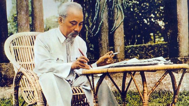 50 năm thực hiện Di chúc Hồ Chí Minh: Chỉnh đốn Đảng là việc làm tiên quyết và lâu dài - Ảnh 1.