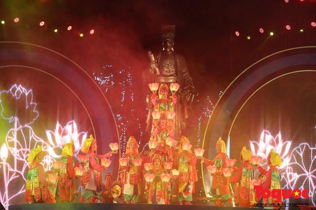 """Ấn tượng chương trình nghệ thuật kỷ niệm 20 năm Hà Nội - """"Thành phố Vì hòa bình"""" - Ảnh 3."""