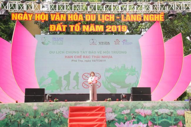 Phú Thọ phát động Du lịch chung tay bảo vệ môi trường, hạn chế rác thải nhựa - Ảnh 1.