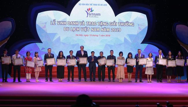 Lễ Vinh danh và trao tặng giải thưởng Du lịch Việt Nam năm 2019 - Ảnh 4.