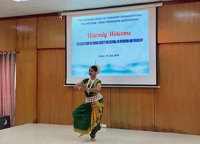 Giao lưu văn hóalàm sâu sắc hơn tình hữu nghị Việt   Ấn - Ảnh 3.