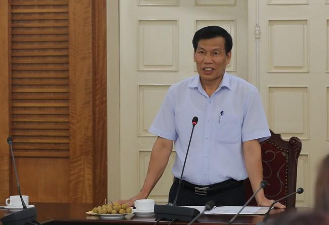 Kỷ niệm 72 năm ngày Thương binh – Liệt sĩ: Bộ trưởng Nguyễn Ngọc Thiện gặp mặt các cán bộ, nhân viên ngành VHTTDL là con liệt sĩ - Ảnh 1.