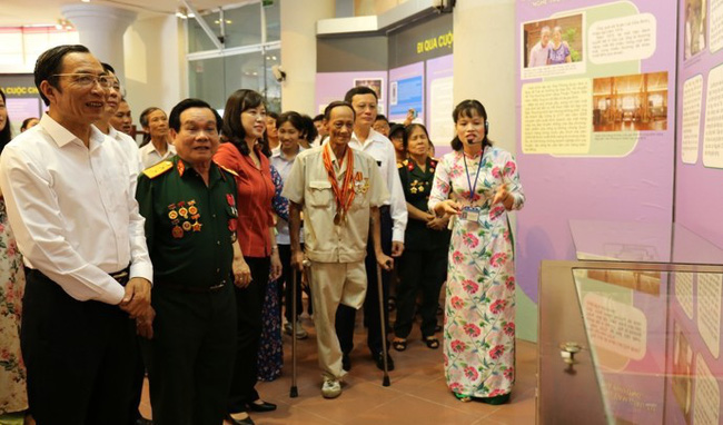 Bắc Ninh khai mạc trưng bày chuyên đề Uống nước nhớ nguồn - Ảnh 1.