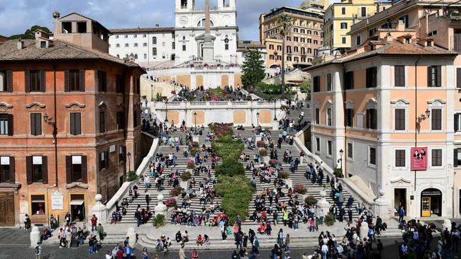 Italy mạnh tay phạt du khách để bảo vệ di sản - Ảnh 1.