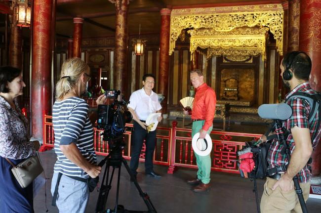 Truyền hình quốc tế làm phim quảng bá về văn hóa du lịch tỉnh Thừa Thiên Huế - Ảnh 1.