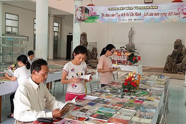 Trưng bày gần 700 tư liệu, hình ảnh về di chúc Chủ tịch Hồ Chí Minh - Ảnh 1.