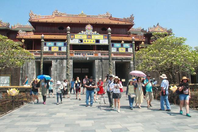 Thừa Thiên Huế miễn vé tham quan di tích cho người dân dịp kỷ niệm tái lập tỉnh - Ảnh 1.