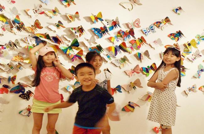 Hơn 1.300 cánh bướm của trẻ khuyết tật khắp thế giới trưng bày tại Hà Nội - Ảnh 1.