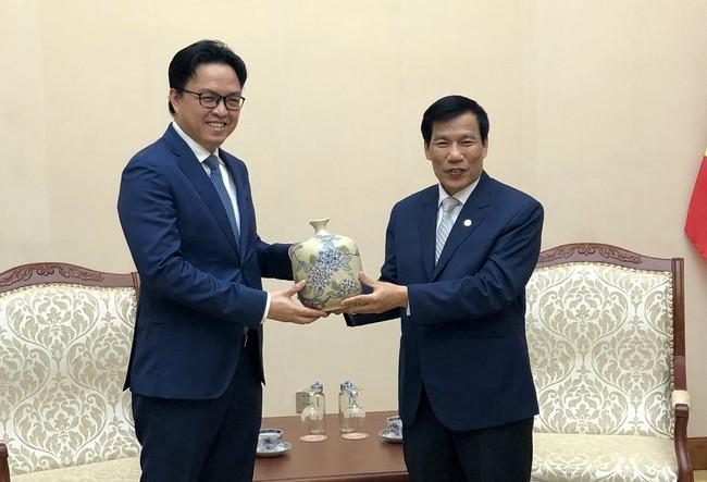 Bộ trưởng Nguyễn Ngọc Thiện tiếp Đại sứ Campuchia chào từ biệt - Ảnh 1.