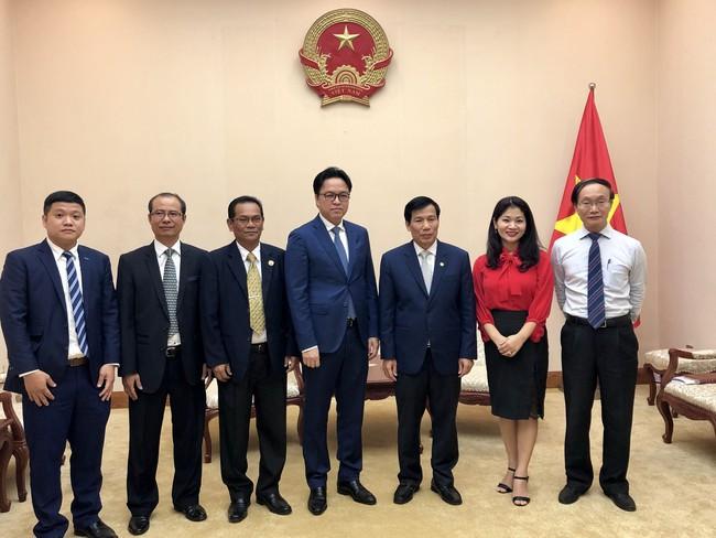 Bộ trưởng Nguyễn Ngọc Thiện tiếp Đại sứ Campuchia chào từ biệt - Ảnh 2.