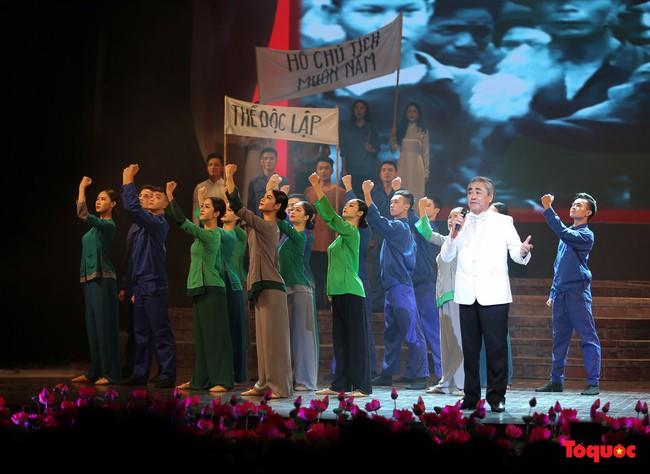 Lời Bác dặn trước lúc đi xa: Kể câu chuyện lịch sử đầy cảm xúc về Chủ tịch Hồ Chí Minh bằng thơ và nhạc - Ảnh 2.
