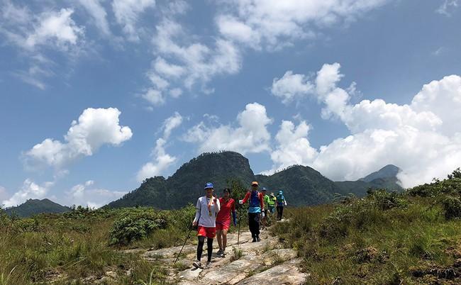 Tổ chức Giải leo núi chinh phục đỉnh Lảo Thẩn năm 2019 - Ảnh 1.