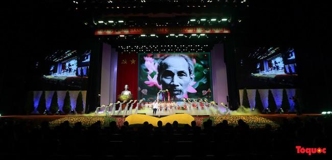 Lễ kỷ niệm cấp Quốc gia 50 năm thực hiện Di chúc của Chủ tịch Hồ Chí Minh và 50 năm Ngày mất của Người - Ảnh 10.