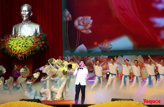 Lễ kỷ niệm cấp Quốc gia 50 năm thực hiện Di chúc của Chủ tịch Hồ Chí Minh và 50 năm Ngày mất của Người - Ảnh 11.