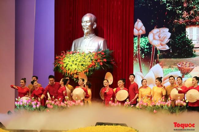 Lễ kỷ niệm cấp Quốc gia 50 năm thực hiện Di chúc của Chủ tịch Hồ Chí Minh và 50 năm Ngày mất của Người - Ảnh 13.