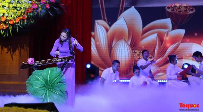 Lễ kỷ niệm cấp Quốc gia 50 năm thực hiện Di chúc của Chủ tịch Hồ Chí Minh và 50 năm Ngày mất của Người - Ảnh 14.