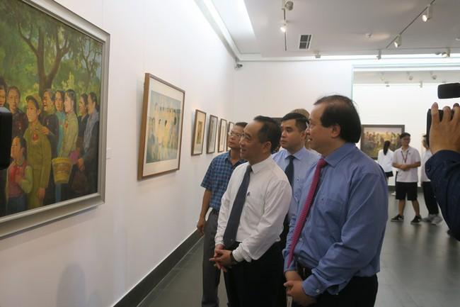 Triển lãm đặc biệt Nhớ về Bác tại Bảo tàng Mỹ thuật Việt Nam  - Ảnh 2.