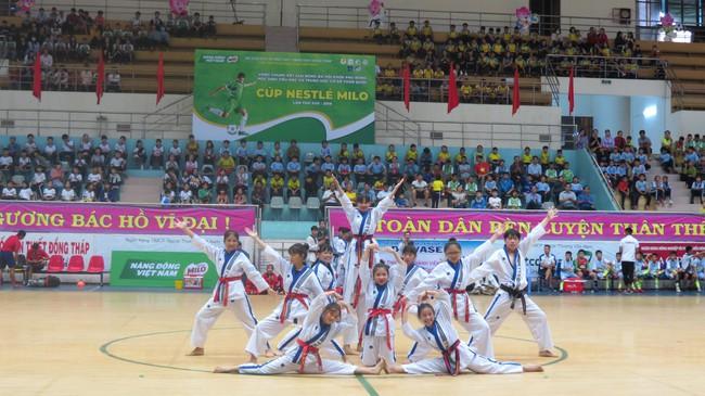Khai mạc vòng chung kết Giải Bóng đá Hội khỏe Phù Đổng học sinh toàn quốc Cúp Nestlé Milo lần thứ 17 năm 2019 - Ảnh 3.