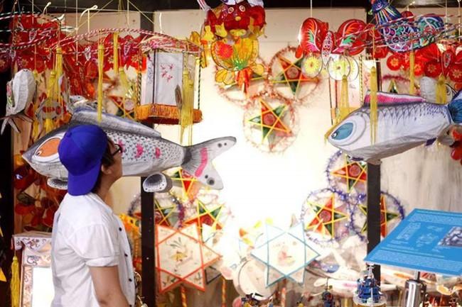 Bộ sưu tập đồ chơi truyền thống gắn liền với Tết Trung thu - Ảnh 1.