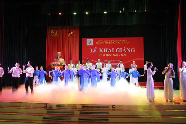 Thứ trưởng Tạ Quang Đông dự lễ khai giảng năm học 2019-2020 của trường Đại học Văn hóa Hà Nội - Ảnh 5.