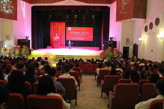 Thứ trưởng Tạ Quang Đông dự lễ khai giảng năm học 2019-2020 của trường Đại học Văn hóa Hà Nội - Ảnh 6.