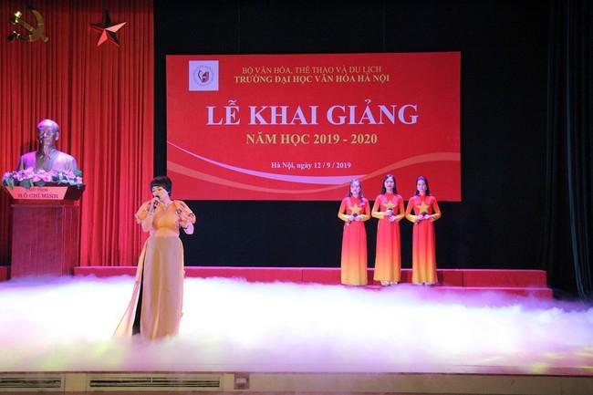 Thứ trưởng Tạ Quang Đông dự lễ khai giảng năm học 2019-2020 của trường Đại học Văn hóa Hà Nội - Ảnh 8.