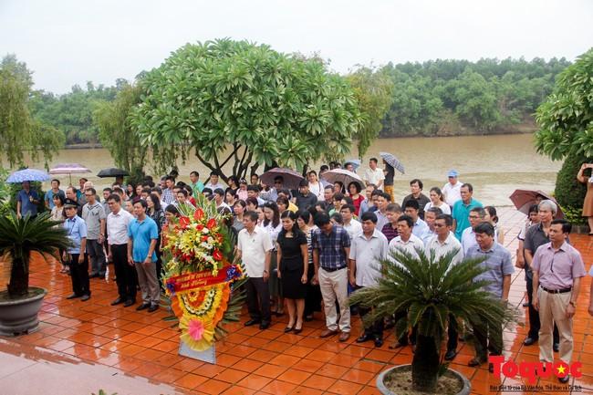 Đảng ủy Bộ VHTTDL dâng hương tại Thành Cổ Quảng Trị và Nhà lưu niệm cố Tổng Bí thư Lê Duẩn - Ảnh 10.
