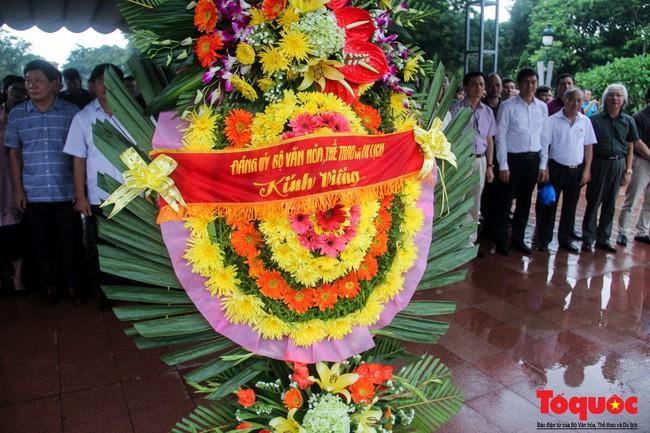 Đảng ủy Bộ VHTTDL dâng hương tại Thành Cổ Quảng Trị và Nhà lưu niệm cố Tổng Bí thư Lê Duẩn - Ảnh 4.