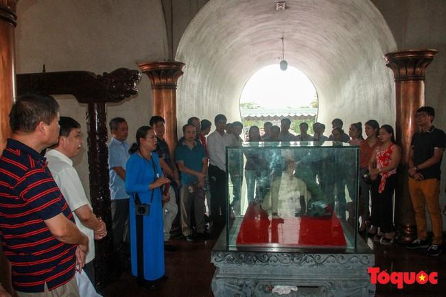 Đảng ủy Bộ VHTTDL dâng hương tại Thành Cổ Quảng Trị và Nhà lưu niệm cố Tổng Bí thư Lê Duẩn - Ảnh 7.