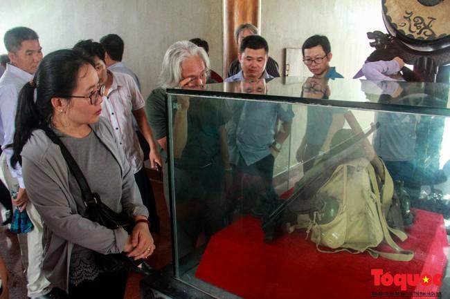 Đảng ủy Bộ VHTTDL dâng hương tại Thành Cổ Quảng Trị và Nhà lưu niệm cố Tổng Bí thư Lê Duẩn - Ảnh 8.