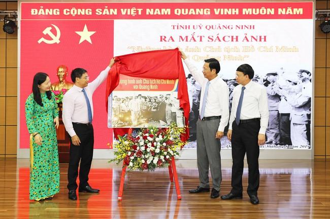 Ra mắt sách ảnh Những hình ảnh Chủ tịch Hồ Chí Minh với Quảng Ninh - Ảnh 1.