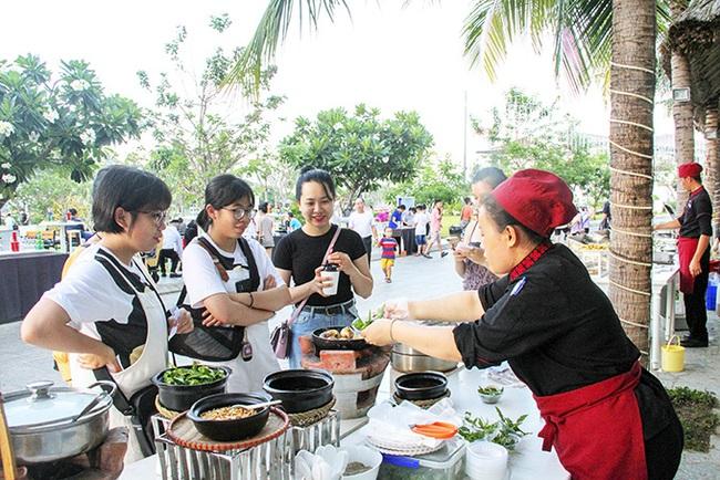 Khánh Hòa đẩy mạnh hoạt động quảng bá, kích cầu du lịch - Ảnh 1.