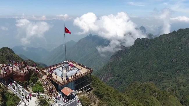 Lào Cai: Phát triển du lịch thành ngành kinh tế mũi nhọn - Ảnh 1.