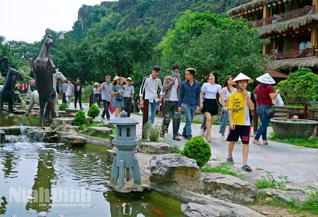 Ninh Bình: Ngành Du lịch chủ động tìm giải pháp phục hồi - Ảnh 1.