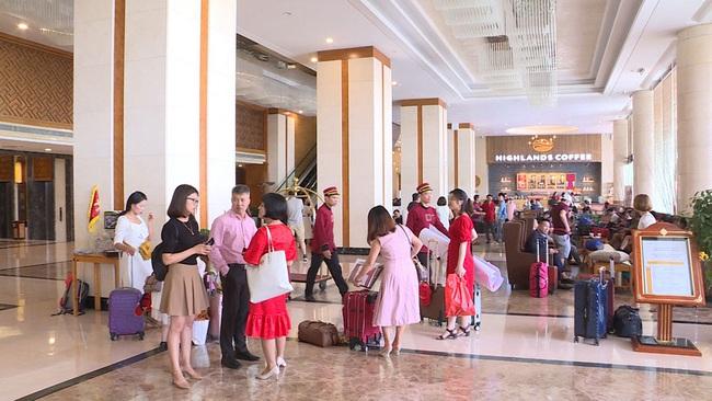 Quảng Ninh: Hiệu quả từ nghị quyết về kích cầu du lịch - Ảnh 2.