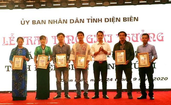 21 tác phẩm được trao Giải thưởng Văn học, Nghệ thuật tỉnh Điện Biên lần thứ III - Ảnh 2.
