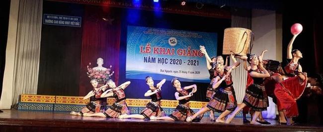 Cao đẳng Văn hóa nghệ thuật Việt Bắc khai giảng năm học mới 2020 – 2021 - Ảnh 1.
