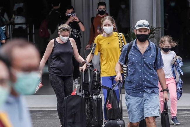 Indonesia ban hành quy định y tế với du khách nước ngoài vào Bali - Ảnh 1.